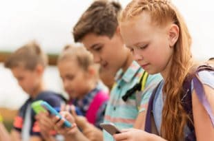 Should kids under 13 be legally allowed to have smartphones?