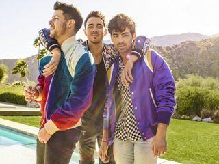 Jonas Brothers Happiness Begins tour promo photo