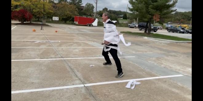 Halloween relay
