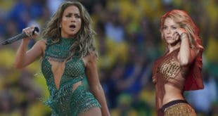 J-Lo and Shakira performing