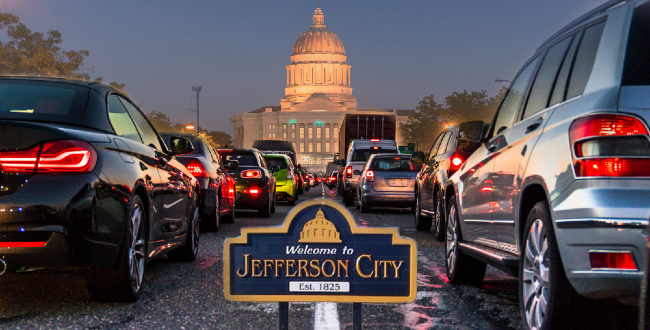 Traffic on the road approaching the Jefferson City Capital building