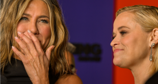 """Actresses Jennifer Aniston and Reese Witherspoon attend Apple TV+'s """"The Morning Show"""" World Premiere at David Geffen Hall on October 28, 2019 in New York City."""